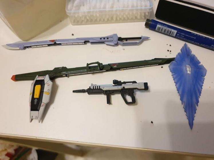 heine's weapons